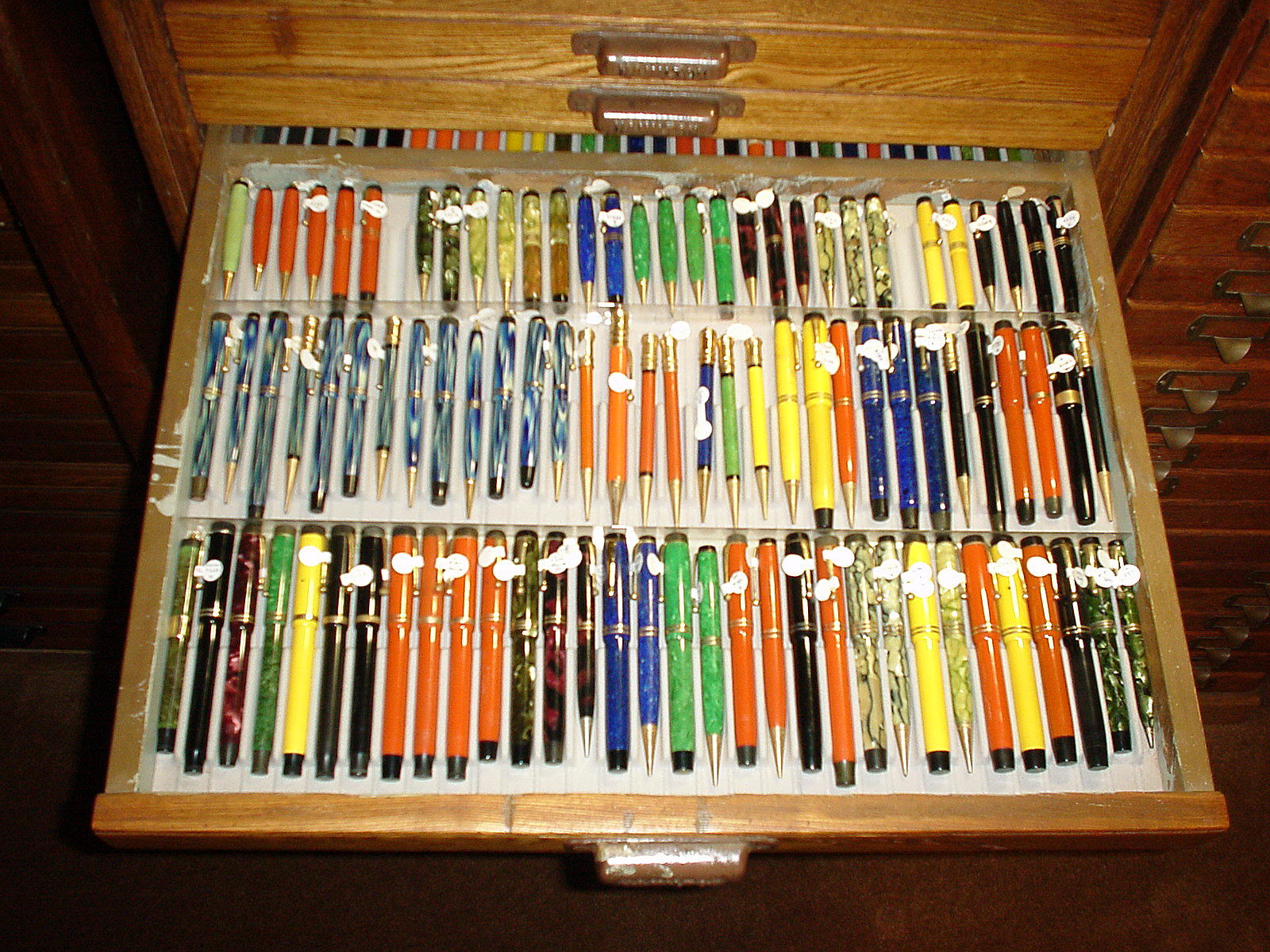 Slotted Display Tray Liners For Vintage Pens